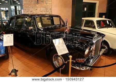 Daimler Limousine Ds420