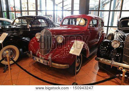 1938 Plymouth P8 Sedan