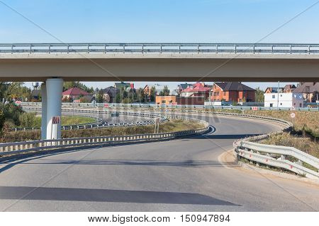 The curved empty turn under the overpass