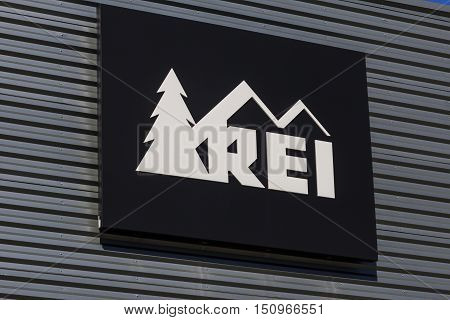 Indianapolis - Circa October 2016: Recreational Equipment, Inc. Logo And Signage. Rei Sells Sporting