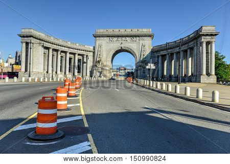 New York City - Sept 15, 2012: The triumphal arch and colonnade at the Manhattan entrance of the Manhattan Bridge in New York City.