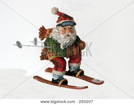 Skiing Santa 001
