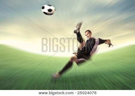 Schießen einen Fußball-Football-Spieler