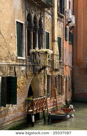 venetian place