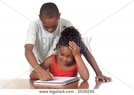 Kids Studing zusammen
