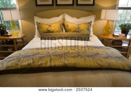 Bedroom 2742