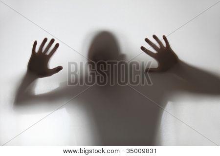 Uma sombra humana