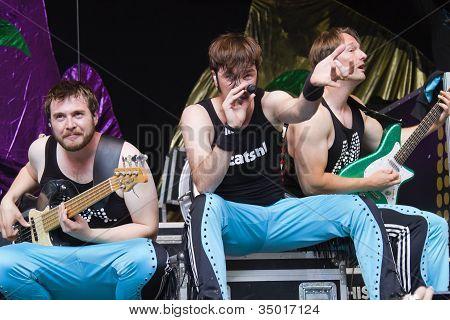 Lary Simmons, Rocky Van Bree & Biff Anderson Performing