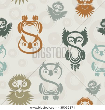 Seamless pattern with various owls on a neutral background.