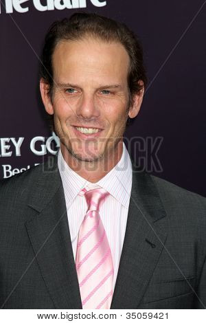 LOS ANGELES - JUN 11:  Peter Berg arriving at the 10th Chrysalis Butterfly Ball at Private Home on June 11, 2011 in Brentwood, CA
