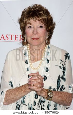 LOS ANGELES - JUL 21:  Shirley MacLaine at a photocall for