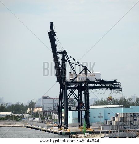 Port Machinery In Fort Lauderdale