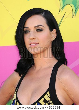 LOS ANGELES - MARCH 23:  Katy Perry arrives to the Kid's Choice Awards 2013  on March 23, 2013 in Los Angeles, CA.