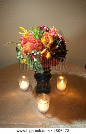 Floral Herzstück mit Kerzen