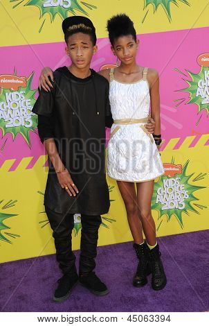LOS ANGELES - MARCH 23:  Jaden Smith & Willow Smith arrives to the Kid's Choice Awards 2013  on March 23, 2013 in Los Angeles, CA.