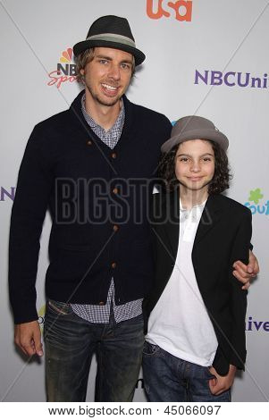 LOS ANGELES - AUG 11:  DAX SHEPHERD & MAX BURKHOLDER arriving to Summer TCA Party 2011 - NBC  on August 11, 2011 in Beverly Hills, CA