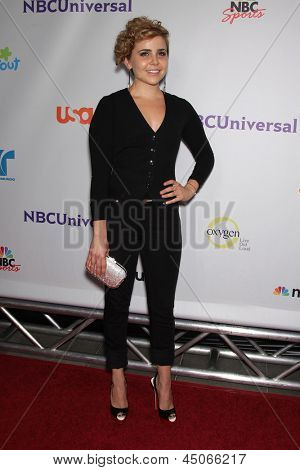 LOS ANGELES - AUG 11:  MAE WHITMAN arriving to Summer TCA Party 2011 - NBC  on August 11, 2011 in Beverly Hills, CA