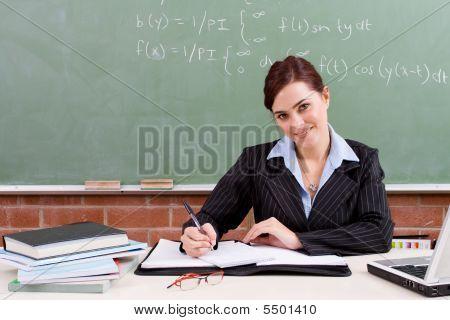 Pretty Teacher