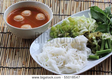 Thai Fish Ball Curry Coconut Soup With Rice Noodles