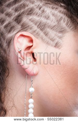 Ear Super Piercing Woman