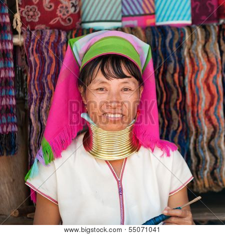 MAE HONG SON, THAILAND - DECEMBER 4: Unidentified Karen tribal woman near Mae Hong Son, Thailand, Chiang rai, Karen Long Neck hill tribe village, December 4 2013. Famous tourist destination