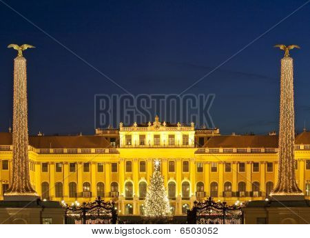 Christmas Fair Castle Schoenbrunn, Vienna