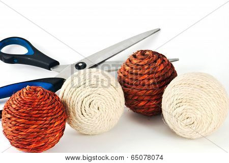 Decorative Wool Balls With Scissors