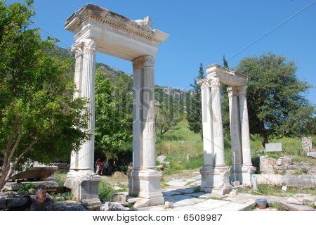 Gate mazzeus & mitidrate in Ephesus