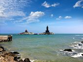 foto of kanyakumari  - Vivekananda Rock Memorial and Thiruvalluvar Statue Kanyakumari India - JPG