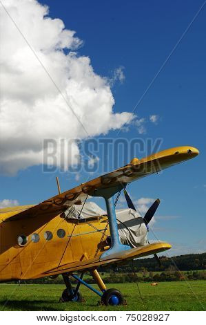 Sporting biplane aircraft 4