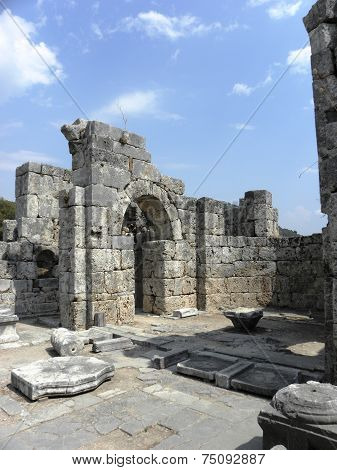 The ruins of the Byzantine basilica in Caunos.