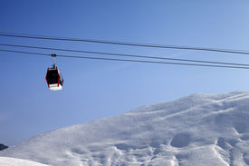 picture of lifting-off  - Gondola lift and off - JPG
