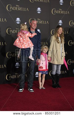LOS ANGELES - MAR 1:  Eric Dane, Rebecca Gayheart, daughters at the