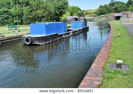 Barcaza azul