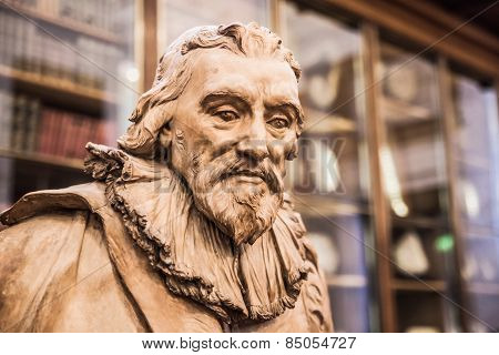 LONDON, UK - NOVEMBER 30, 2014: Sir Robert Bruce Cotton. Sculpture of The Enlightenment Gallery Brit