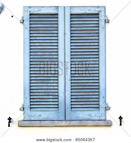 Grey Window  Viladosia  Blind In The Concrete  Brick