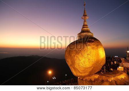 Pagoda Kyaiktiyo, Myanmar