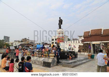 Tourists Visit Suranaree Statue
