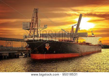 Ship Under Loading