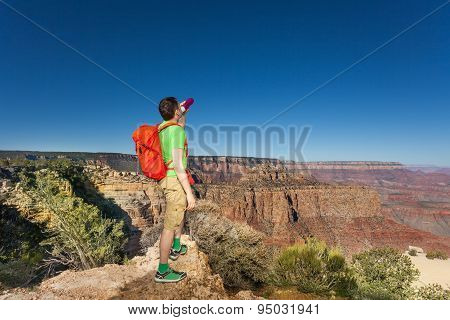 Man drinks water in Grand Canyon National Park