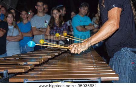 Marimba .