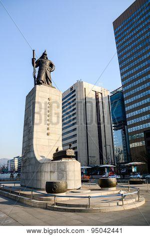 Statue Of Admiral Yi Sun-shin In Soeul