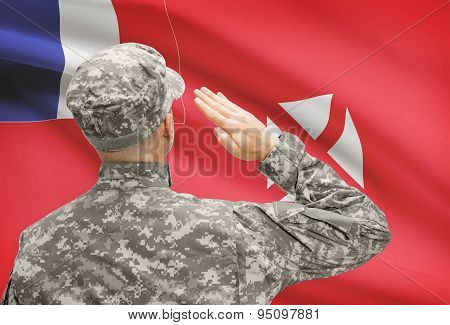 Soldier In Hat Facing National Flag Series - Wallis And Futuna