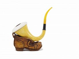 pic of calabash  - A traditional calabash pipe - JPG