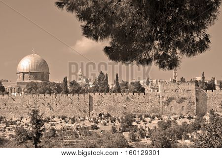 JERUSALEM ISRAEL 23 10 16: Temple Mount known as the the Noble Sanctuary of Jerusalem located in the Old City of Jerusalem, is one of the most important religious sites in the world.