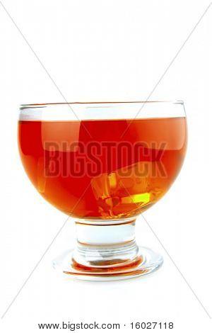Rotlicht Wein Becher auf weißem Hintergrund
