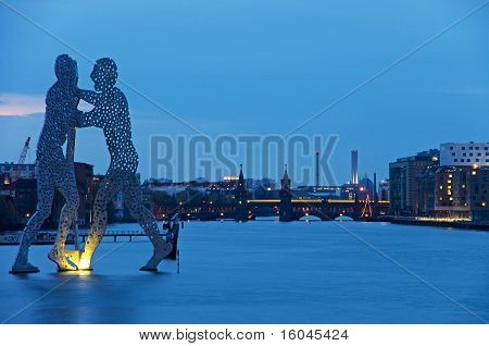 Molecule Men Berlin