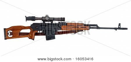 Rifle de francotirador militar con mira telescópica.