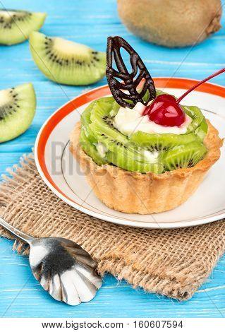 Tart With Kiwi