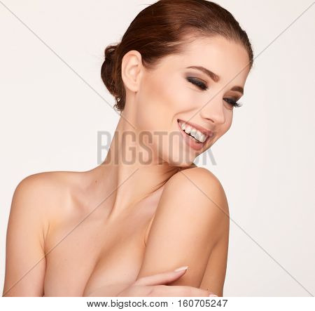 Natural Beauty Portrait. Beautiful Spa Woman . Perfect Fresh Skin